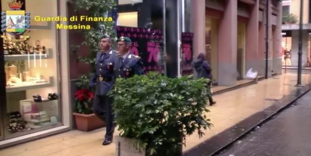Saldi finti multe per 15mila euro a for Negozi arredamento messina